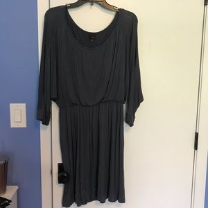 Gray soft sleeved dress with elastic band